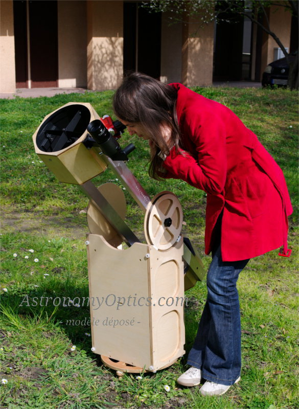 This powerful telescope weighs only 11kg, is easy to assemble and disassemble and can be transported as carry-on luggage on most airlines.